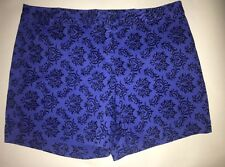 Ladies Size 4 Willi Smith Blue Shorts. Patterned