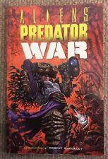 Aliens Predator War Book June 1996 1st Edition Good Condition.