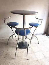 tavolo alto bar con base in ghisa  piu tre sgabelli inbottiti (RIBASSO)