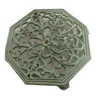 "Vintage Cast Iron Footed Trivet 1991 Green Finish Wall Plaque Floral 7"" Octagon"
