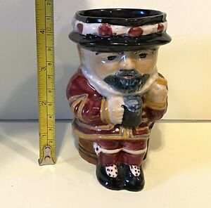 """Vintage Staffordshire England Shorter Beef Eater Mug 5.75"""" In Great Condition"""