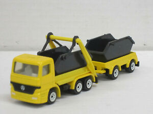 Mercedes-Benz Actros Mulden-Kipplastzug gelb/schwarz, ohne OVP, Siku, 1:87 ?