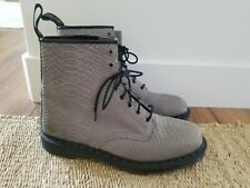 DR MARTENS Grey Embossed Python 1460 8-Eye Lace Up Boots MENS US SZ 13 NWOB