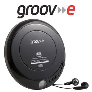 Groov-e GVPS110BK Retro Series Personal Portable CD Player & Headphones - Black