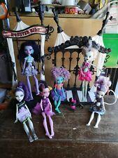 Lote De Muñecas Monster High trabajo y accesorios, incluye swing, Mascotas Bat Etc
