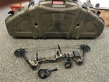 Youth RH Camo Barnett Vortex Bow W Case Site Release and Quiver Bundle