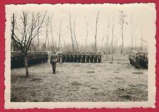 17/733 FOTO HELDENGEDENKTAG PARADE MÜHLE MALA CRNICE 1942 SERBIEN ? STAHLHELM