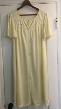 Vintage SHADOWLINE Yellow Appliqued Short Nylon Nightgown Med Sheer Lace Trim