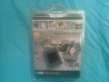 """NEW Innovage 8Mb Rechargeable 1.4"""" DIGITAL PHOTO ALBUM Keychain USB CD FREE Ship"""