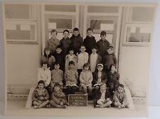 Photo d'école LORIOL 1963 64 CP, CE1 avec noms des élèves au dos, La Négociale