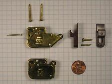Ferum #Pb944-Bp/Br Mini Touch Latch, Brass-Plated, Brown Plastic, With Screws