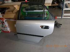 Tür hinten links  Mitsubishi Carisma Stufenheck  1995-1999 silber A50