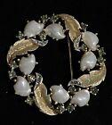 Vintage Beautiful Crown Trifari Sorrento Baby Tooth Teeth Faux Pearl Brooch