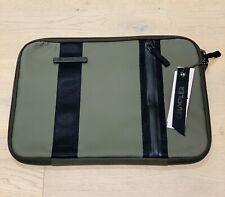 "Crumpler Vis-A-Vis 15"" Laptop Sleeve Tactical Green"
