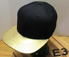 BLACK & GOLD FLAT BILLED HAT BY LIDS SNAPBACK ADJUSTABLE VERY GOOD COND E3
