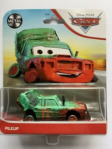 Disney Cars. PILEUP CRAZY 8 RACER 2021 CARD.