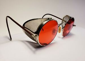 Vintage WWII Welsh goggles. Red sunglass lenses. Excellent condition!  Steampunk