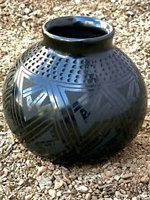 Handcrafted pottery direct from the village of Mata Ortiz