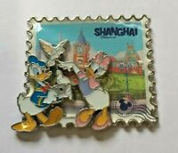 Disney Pin Badge SDR - Shanghai City Donald & Daisy