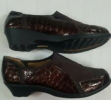 Softspots Womens 749550 Burgundy  Patent Leather Reptile Loafer Shoes Size 10M