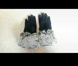 Lovely black real suede gloves with faux fur cuff in great condition