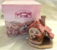 David Winter Cottages The Boat House 1989 in Box but No COA Slight Damage
