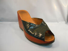 Md'e Black and Red Leather Wedge Mule Heels Women's Size 38 Euro / 8 M US