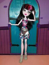 MONSTER HIGH poupée Draculaura Boo York, en très bon état