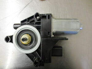 GSI512 PASSENGER RIGHT FRONT WINDOW MOTOR 2011 DODGE DURANGO 3.6
