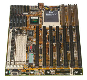 SOYO 025R2 486 VLB motherboard with Intel 486DX2 66Mhz CPU and 32MB RAM