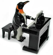 MB019B -NR Musician Penguin playing an Electric Piano (2 Pieces)