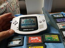White Nintendo GameBoy Advance - with 18 games