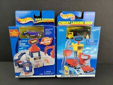 2000 Hot Wheels Auto Action Gas Station Cement Loading Dock Lot 2 Viper Truck