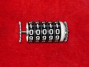 NOS 1970 CHRYSLER SPEEDOMETER ODOMETER NEW YORKER 300 NEWPORT FITS MOPAR 2984982