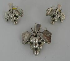 set sterling Mexico, Mexican silver Vintage figural Grape earrings & pendant