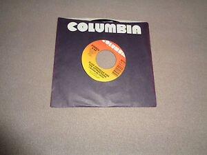 "Elvis Costello & The Attractions ‎– I Wanna Be Loved - 7""Vinyl 45 - 1984 - NM-"