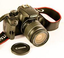 Canon EOS 1000D avec Canon EF 28-80 mm 3.5-5.6 II