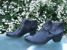 NATURALIZER Black Ankle Boots Womens size 9.5