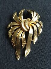 Vintage FRANCOIS Leaf Brooch Pin Satin Textured Finish Gold tone