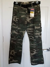WRANGLER JEANS CO. Camouflage Cargo Pants With Belt 32 x 30 ($19.97)