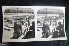 STB154 Lourdes arrivée du train blanc malade civiere Photo Stereo vintage ancien