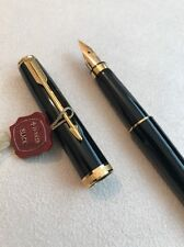 PARKER PREMIER BLACK NOIR GOLD TRIM 18K MEDIUM NIB FOUNTAIN PEN-BOXED-SUPERB