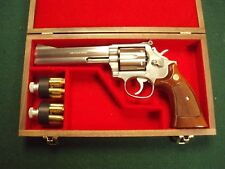 PISTOL GUN PRESENTATION CASE WOOD BOX SMITH AND WESSON 686 COMBAT REVOLVER S&W