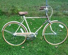 VINTAGE HUFFY , 1979 , MENS 3 SPEED BICYCLE , COMPLETE SERVICE , VERY NICE