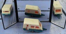 Majorette caravane, 1/70e, état de jeu léger mais complète (porte ouvrante...),