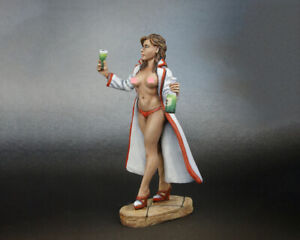tin toy soldiers  54 mm painted sexy girl. girl nurse in a hospital gown