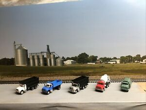 1/87 HO scale, 5 construction vehicales
