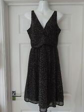 VERO MODA Summer Dress Black & White Spotty Print V-Neck Short Length UK Size 10