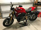 2014 Ducati Monster  2014 Ducati 1200 s Monster only 2000 miles in pristine condition
