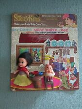 Extrememly Rare Storykins Snow White and Doc Walt Disney's 1967 Set Seven Dwarfs